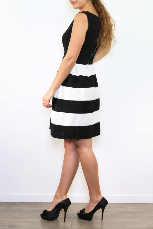 Musta-valkoraidallinen mekko 00005 sivu