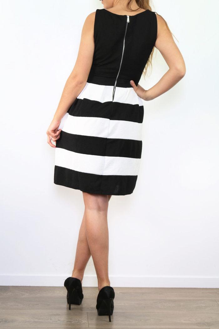Musta-valkoraidallinen mekko 00005 taka