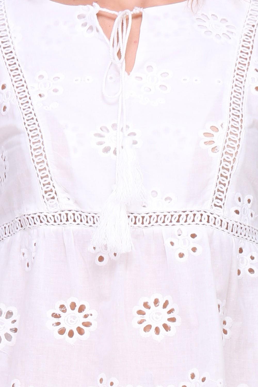 Valkoinen pusero 00098 lähi