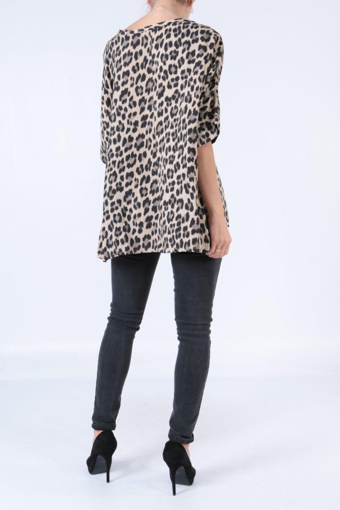 00128 Leopardikuvioinen pusero beige taka