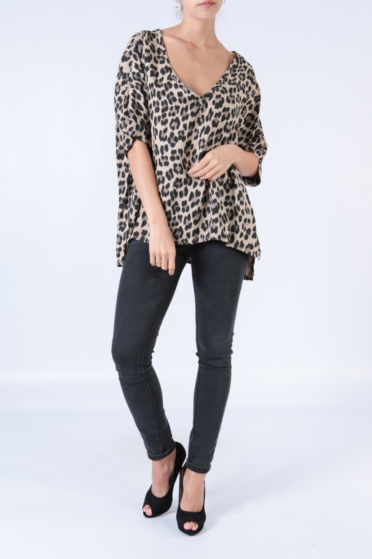 Ruskea leopardikuvioinen pusero