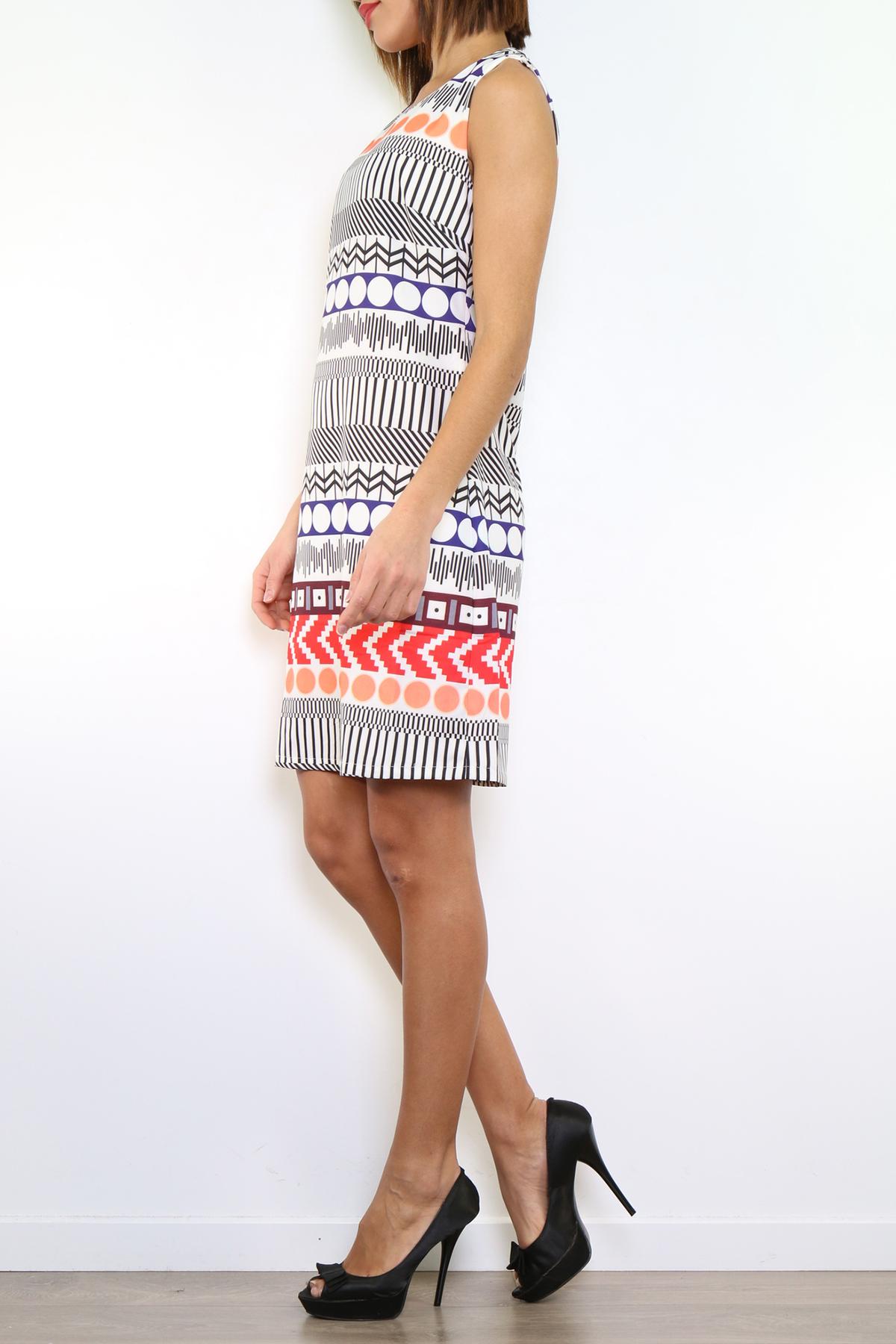 Kuviollinen mekko